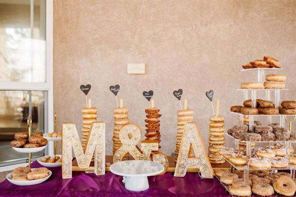 trang trí bàn galley tiệc cưới
